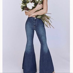 Brand new FREE PEOPLE flare jeans